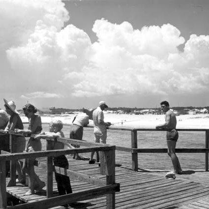 Vintage photos of destin beach condos in destin for Destin fishing pier